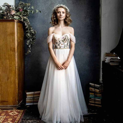 Off Shoulder Wedding Dresses Colorful Emboridery Tulle Bridal Gowns A Line Follor Length Noivas DW238
