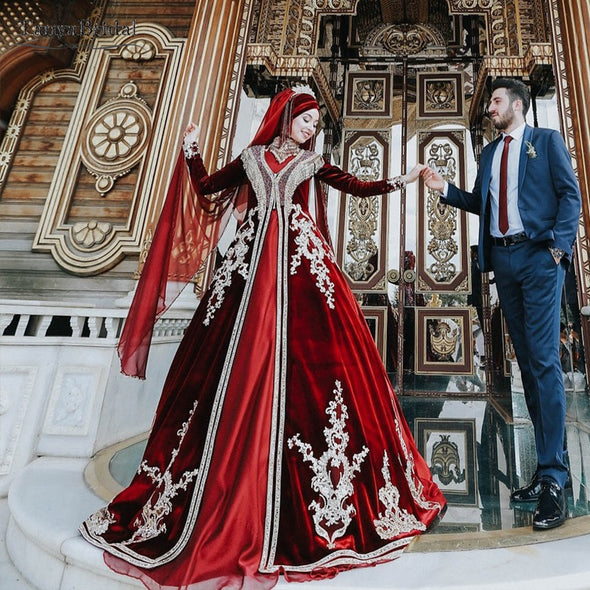 Red Muslim Wedding Dresses Long Sleeve Lace Appliques Luxury Bridal Gowns DW230