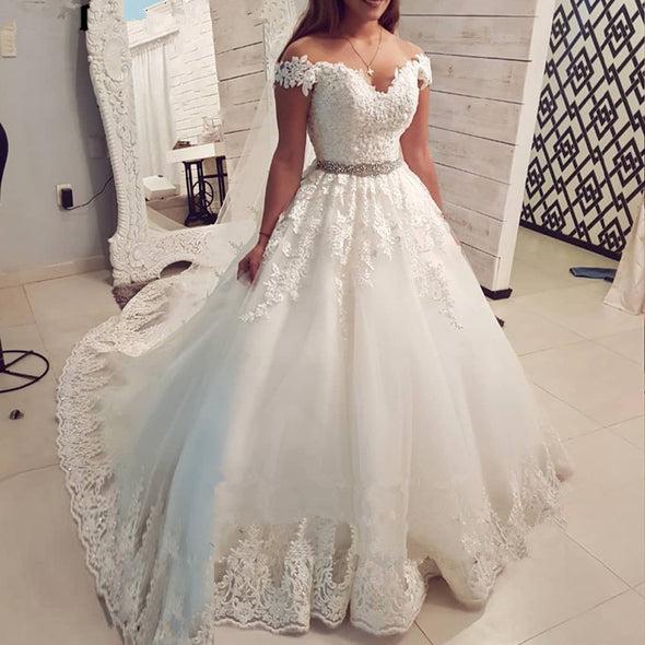 Saudi Arabia Off The Shoulder Vintage Lace Wedding Dress 2019 Ball Gown