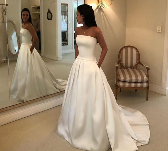 Simple Boho A-line Wedding Dresses 2019 Strapless Satin Draped Bridal Dress