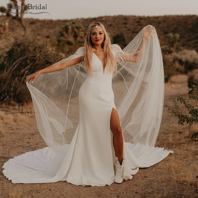 Side Split Mermaid Bridal Gowns With Elegant Tulle Cape