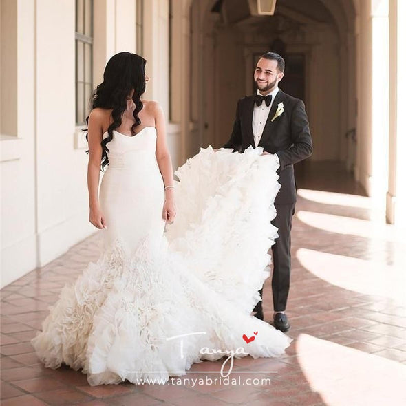 Sweetheart Mermaid Wedding Dresses Cascading Ruffles Sweep Train Summer Backless Bridal Wedding Gowns Elegant Robe De Mariee