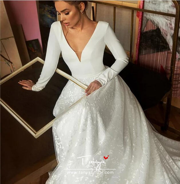 V Neck Long Sleeves Ivory A Line Lace Wedding Dresses With 30cm Train