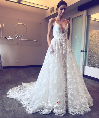 Deep V Neck Elegant Wedding Dress Sexy Long Applique Spaghetti Straps Beach Boho Bridal Wedding Gown robe de mariee