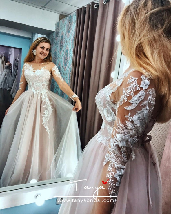 A Line Long Sleeves bihemian Lace Nude Wedding Dress With Lace Appliques
