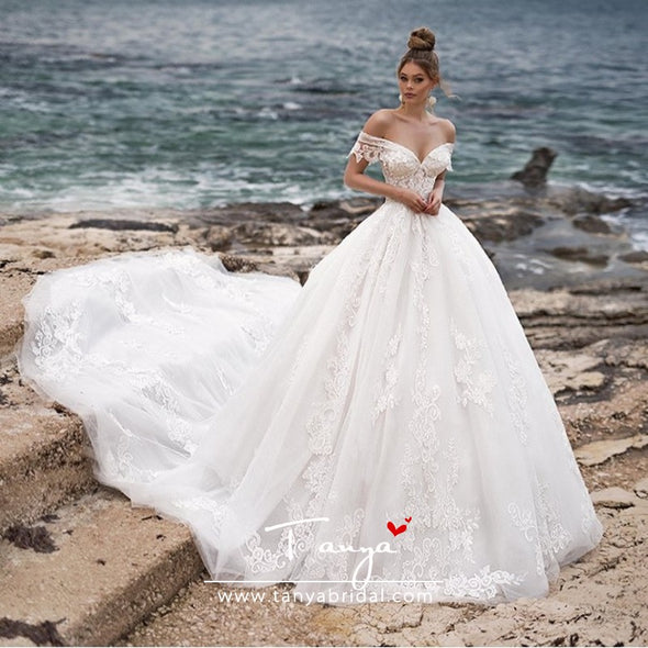 Off The Shoulder Luxury V Neck Ball Gown Wedding Dress