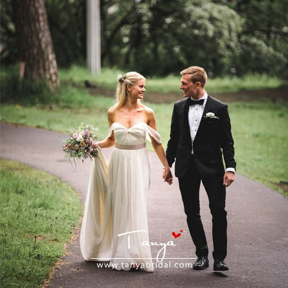 A Line Simple Chiffon Wedding Dresses Pleated Boho Bridal Dress