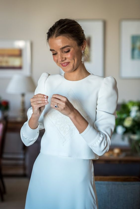 Simple Long Sleeves Wedding Dresses