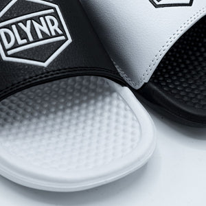 SLIPPERS / BLACK WHITE