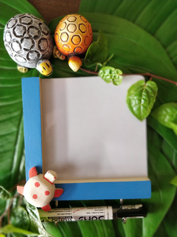 IVEI wooden Fridge magnets with a whiteboard and hooks - Turtle