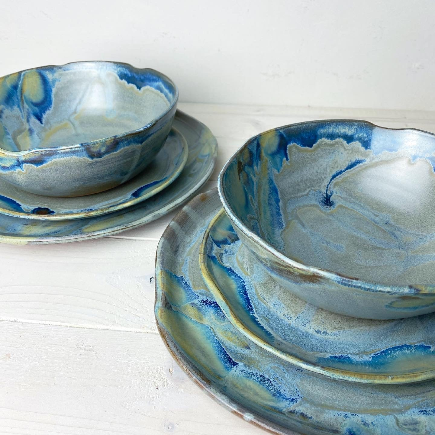 Dinnerware Set (6 piece: 2 bowls, 2 plates, 2 side plates): Fool For Love