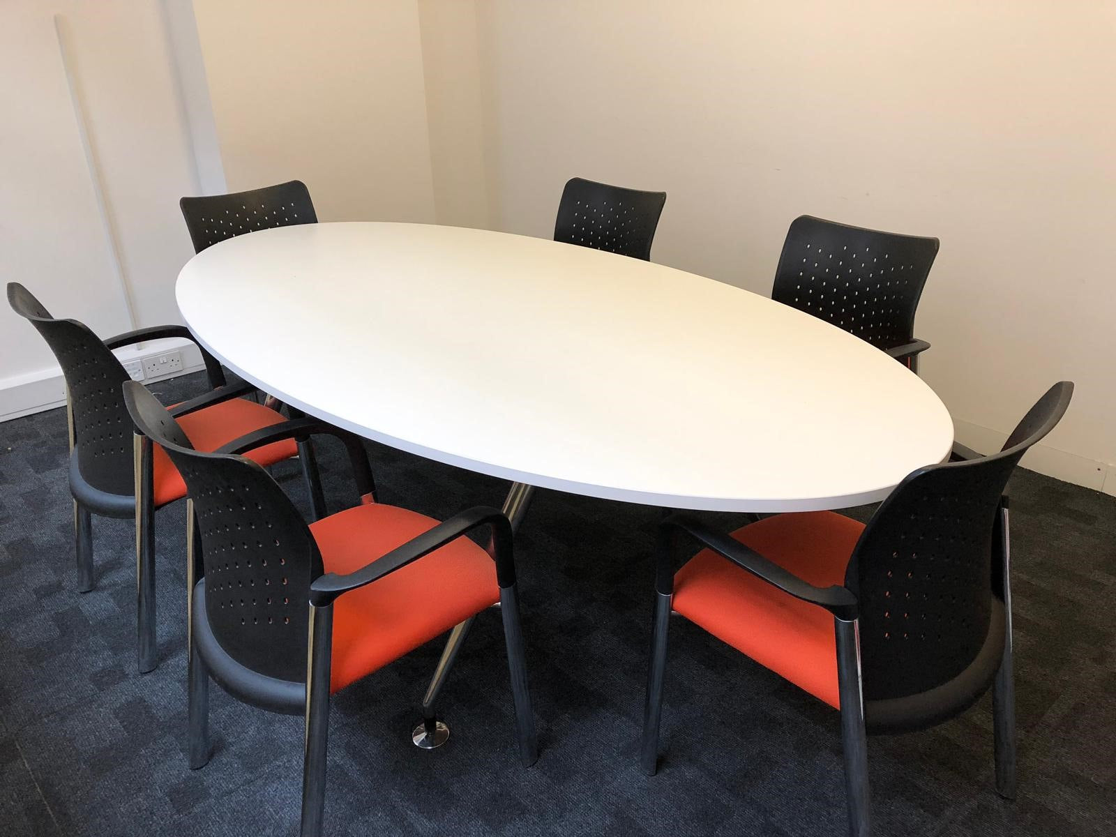 Picture of: 6 8 Person White Oval Meeting Table With Chairs Flogit2us Com
