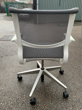 Load image into Gallery viewer, Herman Miller Setu Task Chair