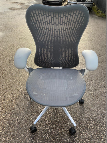 Herman Miller Mirra 2 Mesh Office Chair