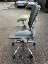 Load image into Gallery viewer, Herman Miller Mirra 2 Mesh Office Chair - Flogit2us.com