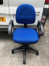 Load image into Gallery viewer, Blue Operators Chair With Arms