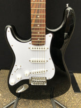 Load image into Gallery viewer, Encore Left Hand Strat Electric Guitar