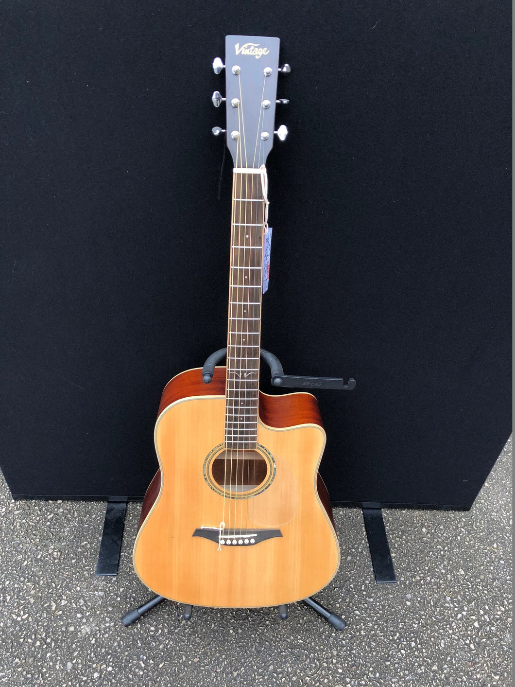 Vintage VEC 501N With USB Socket Acoustic Guitar