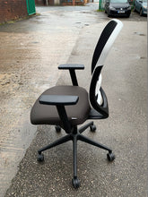 Load image into Gallery viewer, Gresham Oscar Mesh Back Task Chair - Flogit2us.com