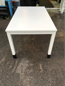 1400mm White Straight Desk