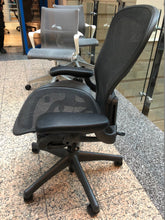 Load image into Gallery viewer, Herman Miller Aeron Chair Size B Office Chair - Flogit2us.com