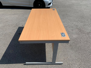 1600mm Premium Straight Desk - Beech