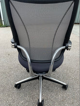 Load image into Gallery viewer, Humanscale Liberty Task Chair