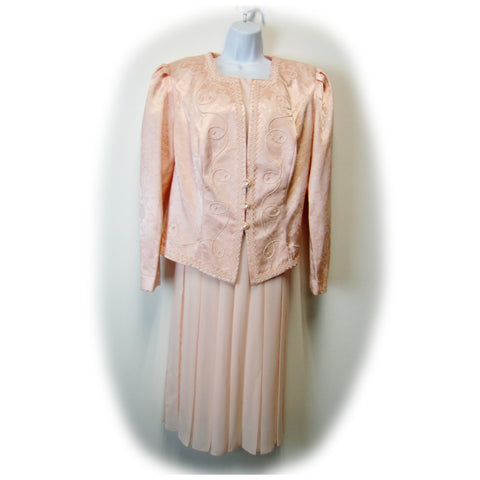 used Nah Nay Woman vintage ladies pink 2-piece dress set