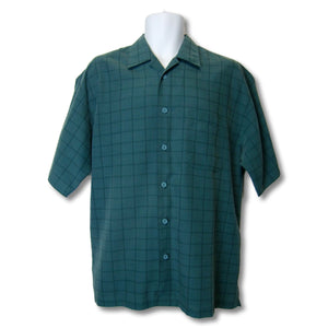 used Haggar man's green short-sleeved shirt