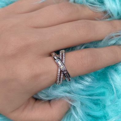 Thin Cross Ring (Z004)
