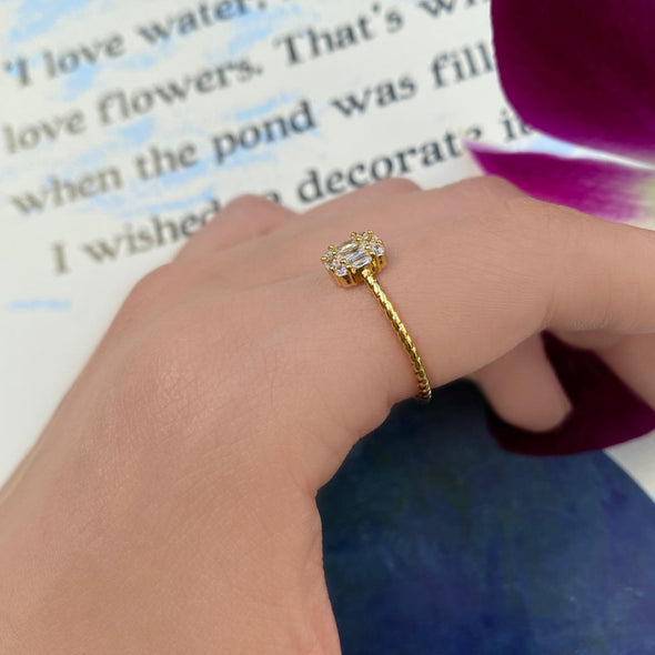 Plain Zircon Ring (1214)