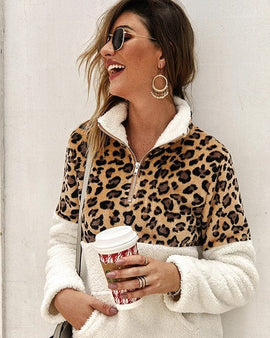Fleece teddy leopard patched pullover