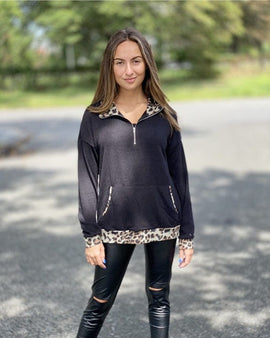 Leopard pull over with zipper