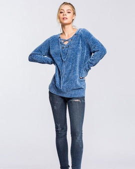 Loose fit, V-neck, long sleeve sweater raglan top