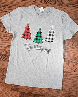 BE MERRY PLAID CHRISTMAS TREES T-SHIRT