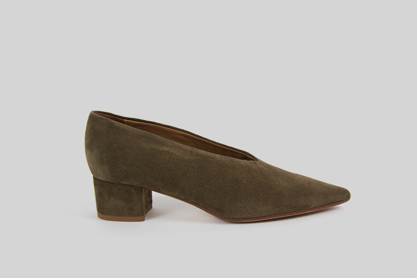 Pointy pumps Gila in khaki green suede