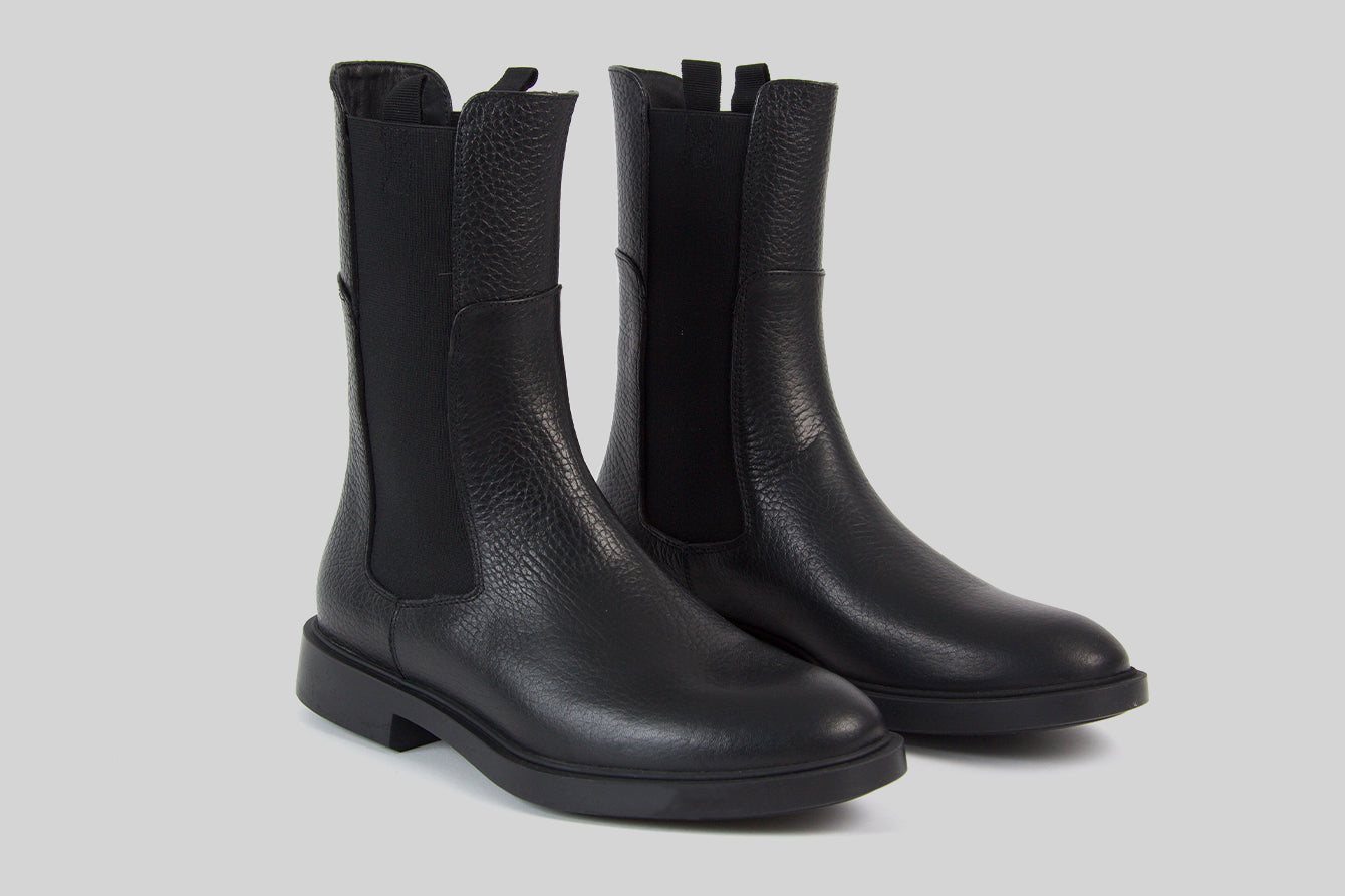 Chelsea boots for women in black leather