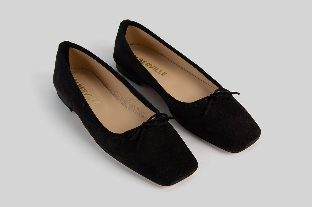 Ballerina shoes made in black suede