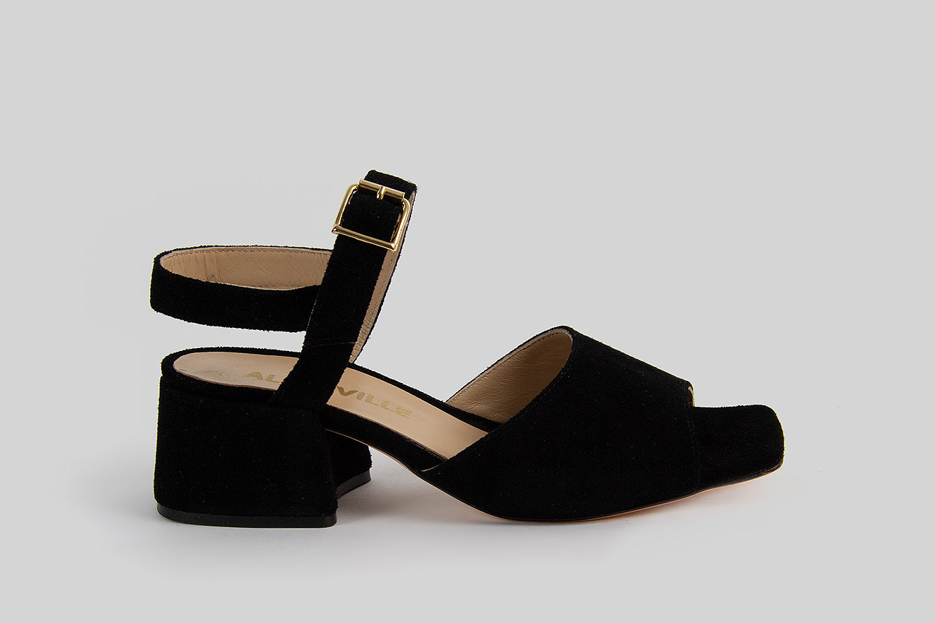 Open toe sandals on a heel made in black suede