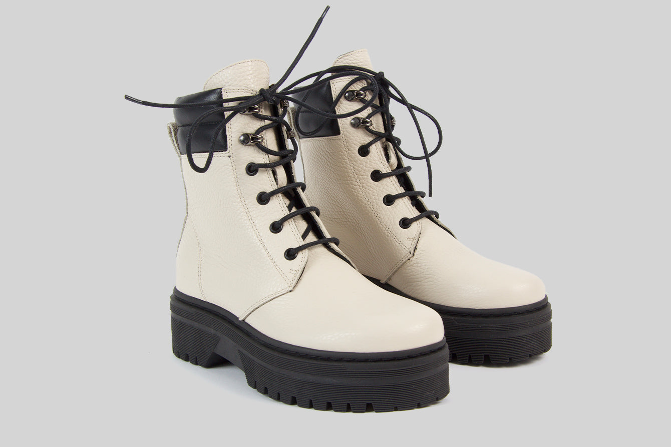 Women lace-up boots in off white grained leather