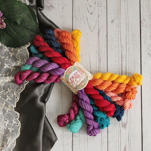 Crosstrain Dk Weight Mini Skein