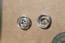 Load image into Gallery viewer, Spiralling flow stud earrings