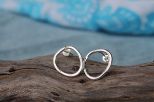 Salty sand stud earrings