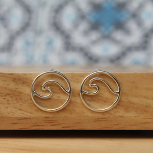 Wave stud earrings mini