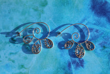 Load image into Gallery viewer, Spiraling swirl thread earrings