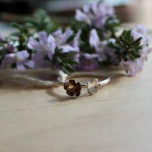 Load image into Gallery viewer, Vibrant flowering Ring Size M1/2