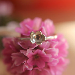 Forever flowering Ring Size L