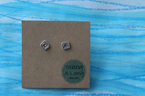 Swirly square flow stud earrings