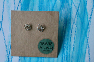 Spiralling square flow stud earrings