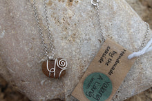 Load image into Gallery viewer, Seaglass swirl Necklace (Fishermans Beach, VIC) 45cm chain